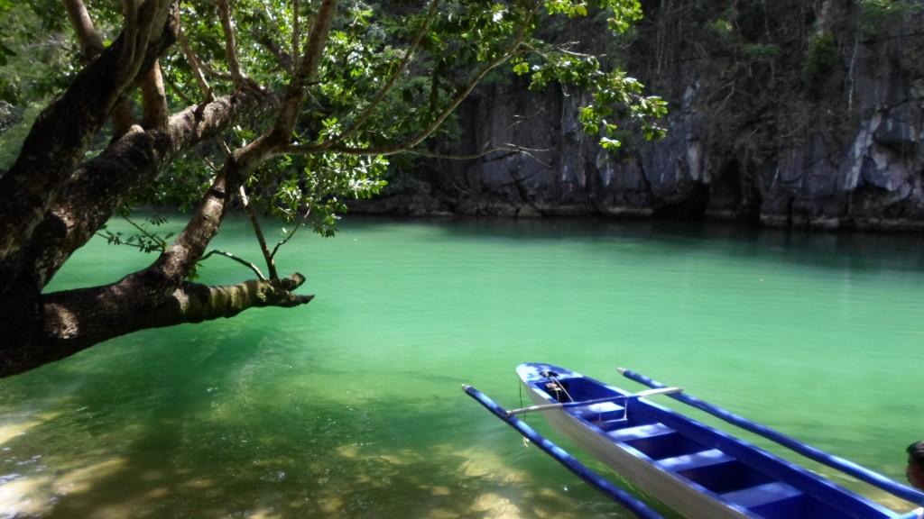 Lago subterráneo en Palawan