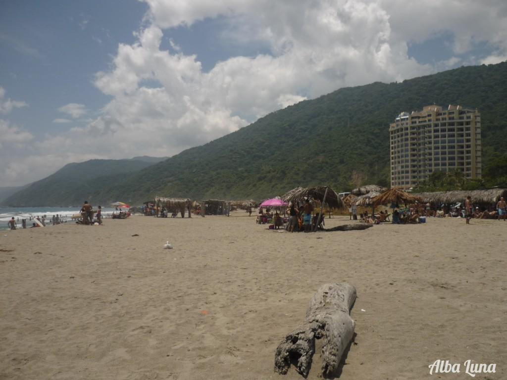 Playa la Pelúa, cerca de Caracas