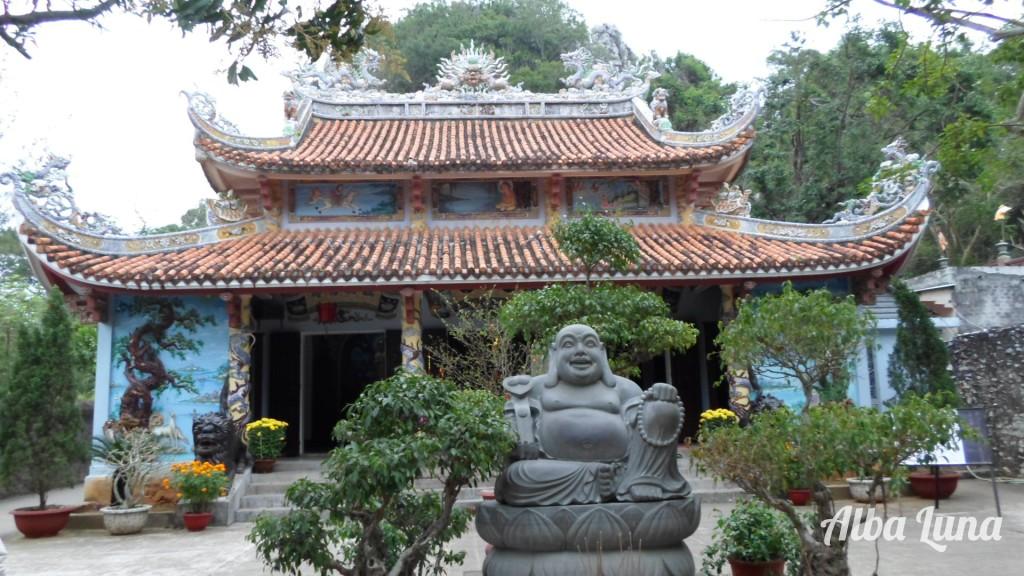 Estudiar templo budista