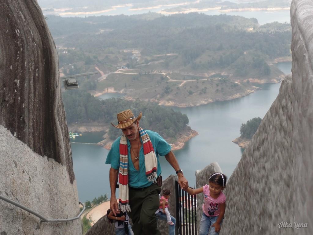 Visita Guatapé a una hora de Medellín